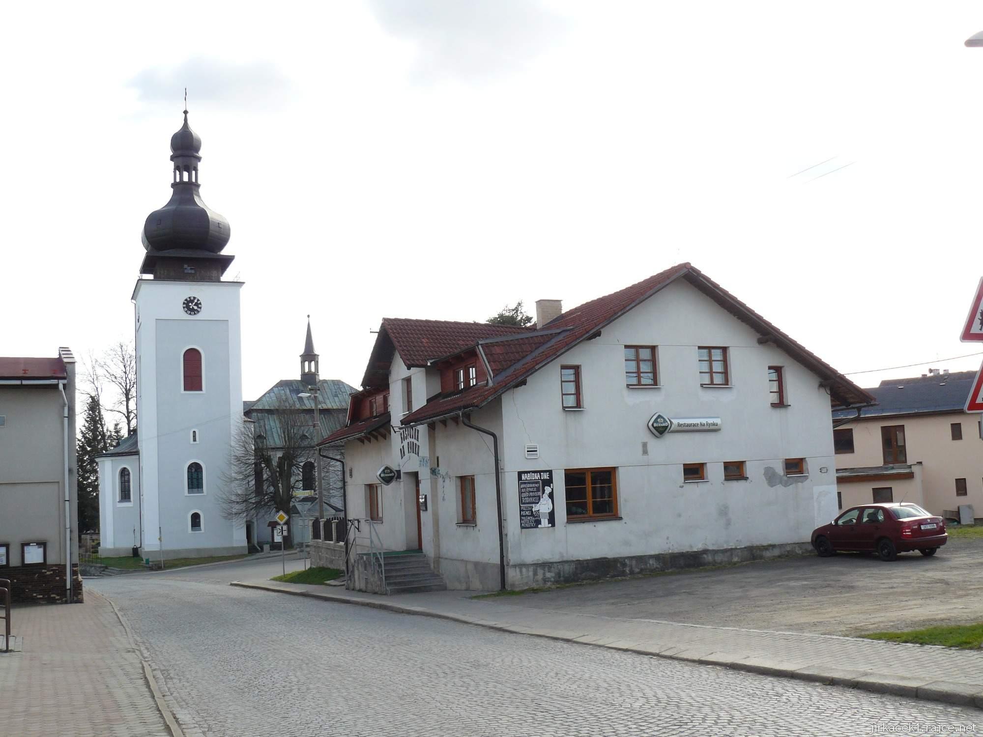 Bozkov -  kostel Navštívení Panny Marie - pohled z dálky