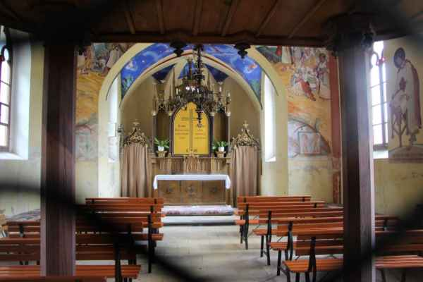 Interiér kostela sv. Cyrila a Metoděje