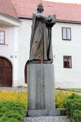 Socha mistra Jana Husa