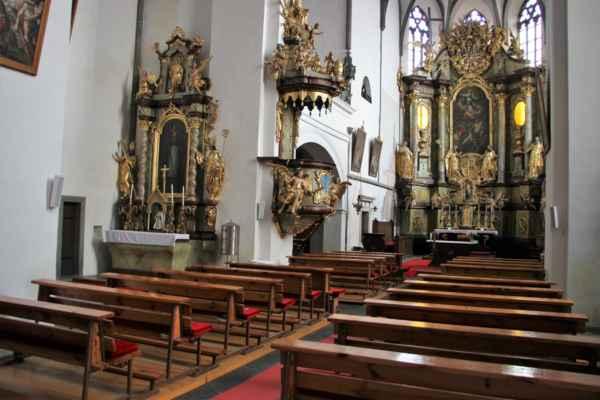Bavorov - pohledy do interiéru kostela Nanebevzetí Panny Marie