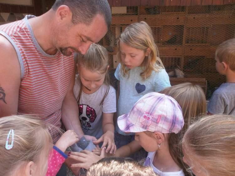 Návštěva uchovatele poštovních holubů