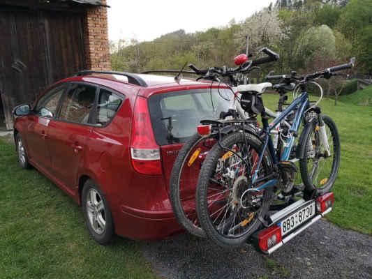 Věci máme sbalené, kola  naložené - a tak můžeme vyrazit na cestu za hranice všedních dnů...