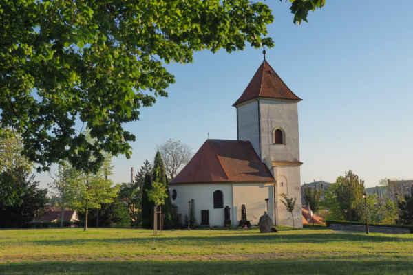 ...kousek dál za školou je kaple sv. Jozefa