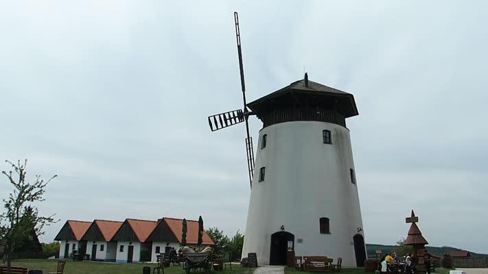 Při cestě domů jsme se zastavili na Bukovanském mlýně - video udělala Iveta