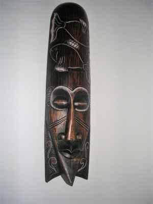 Dřevěná vyřezávaná maska na zeď - ryby.