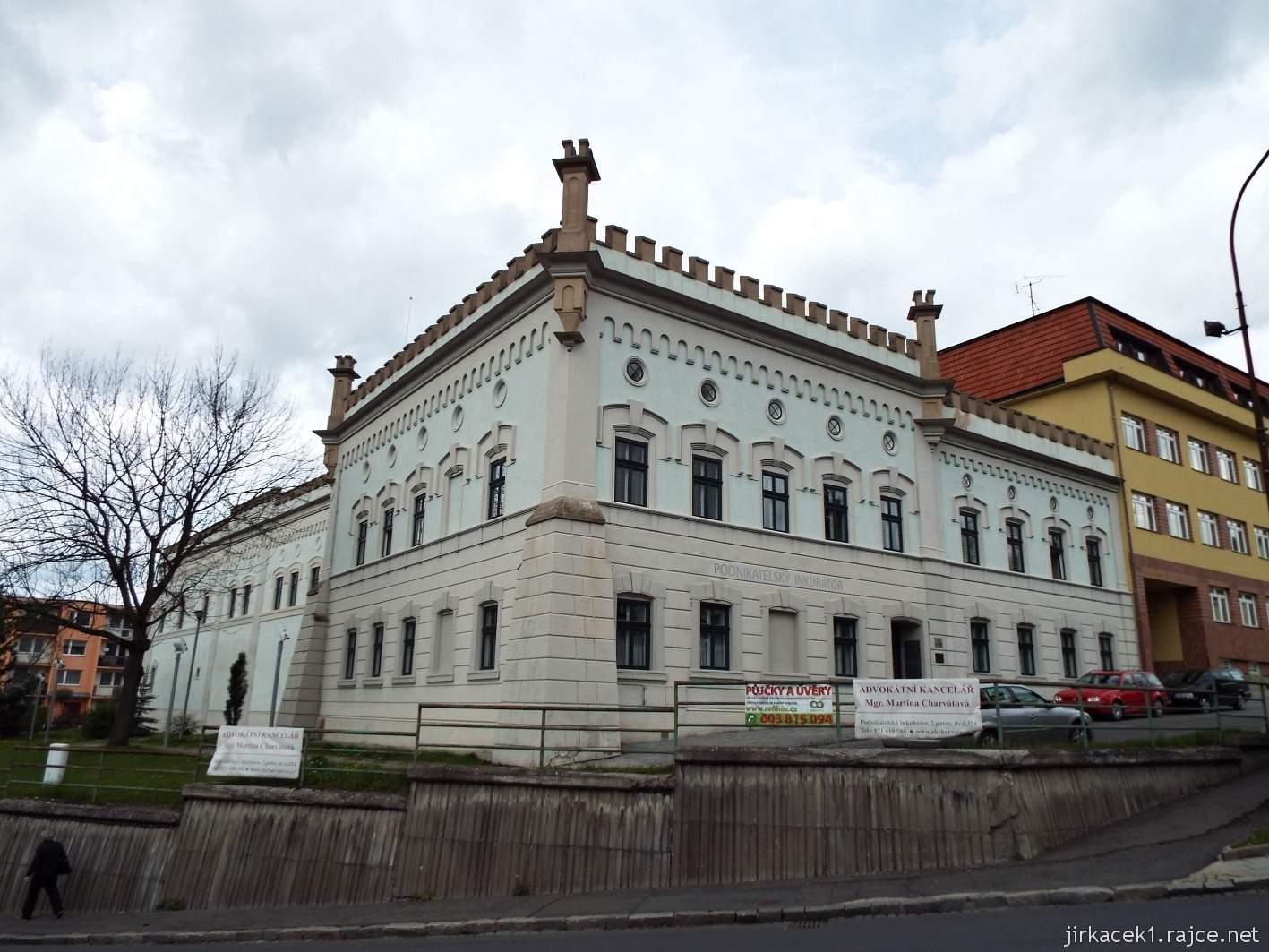 Vsetín - Horní náměstí 01 - Maštaliska