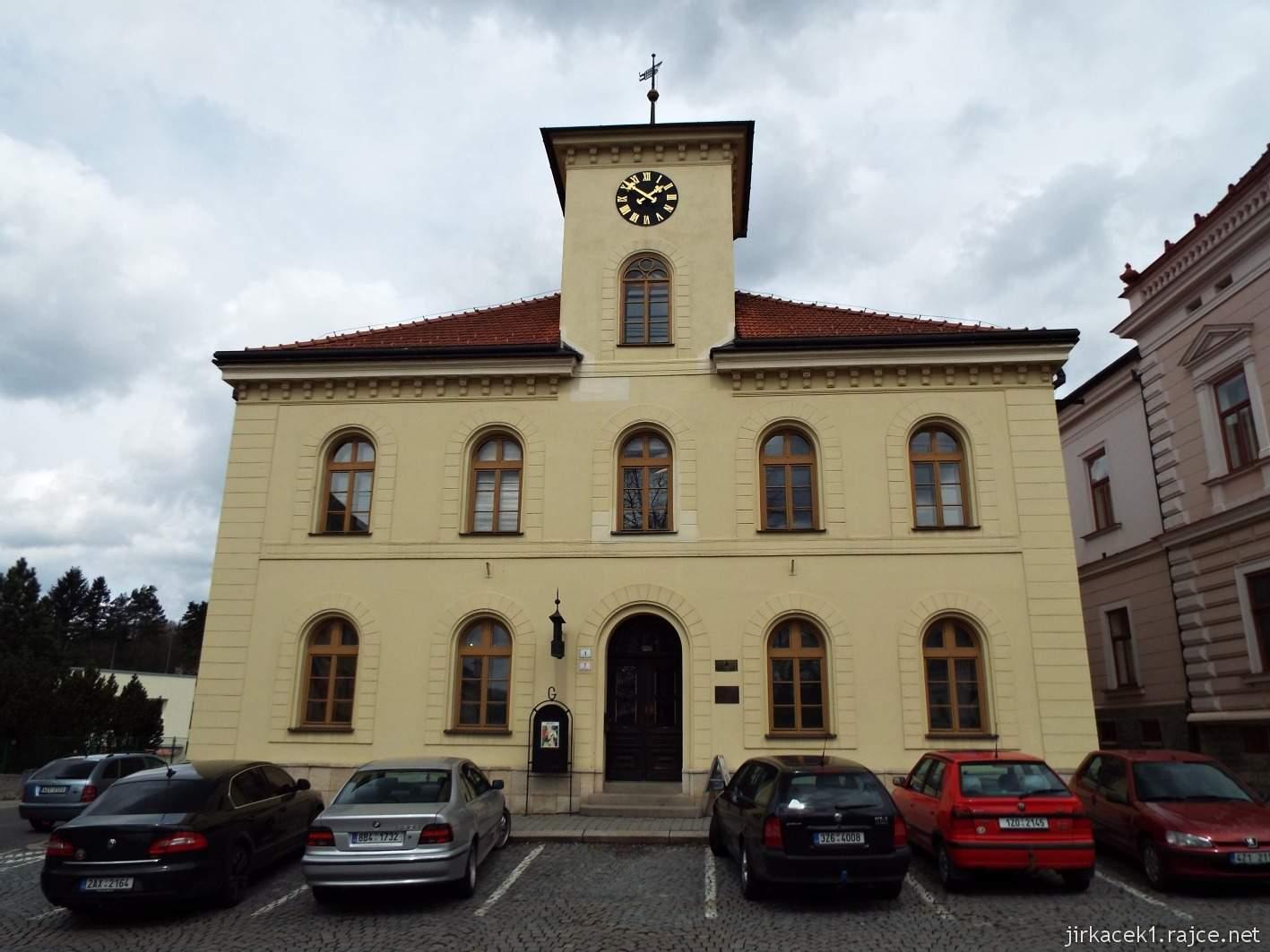 Vsetín - Horní náměstí 08 - stará radnice