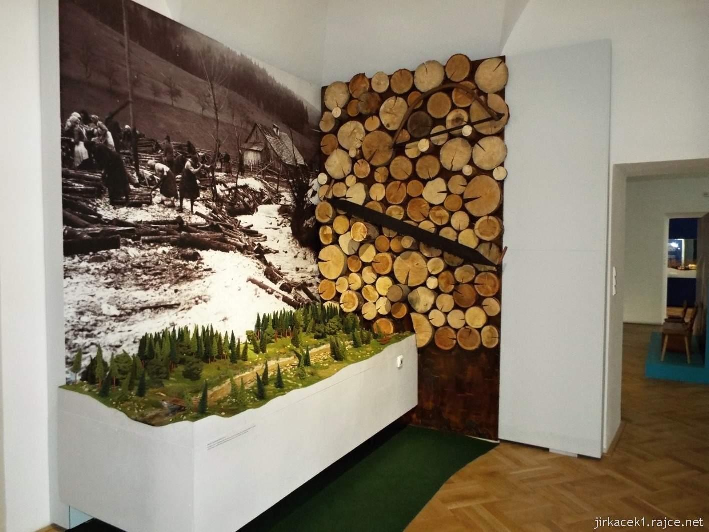 Vsetín - zámek 30 - muzeum - etnografická expozice Vsetínské století páry